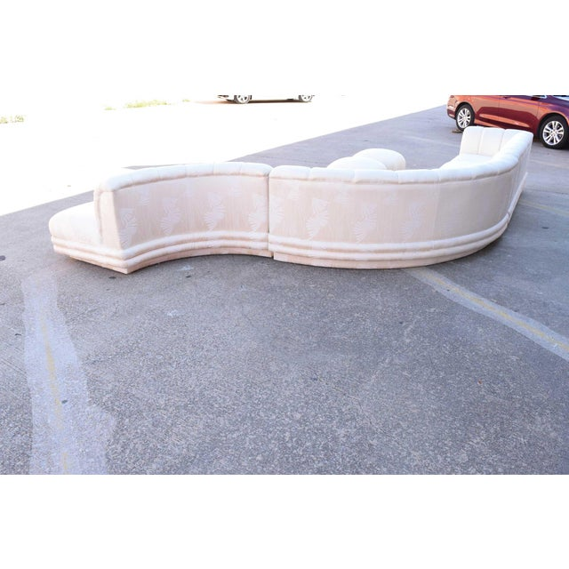 White 1970s Vladimir Kagan Serpentine Sofa For Sale - Image 8 of 10