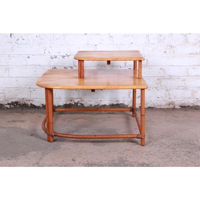1950s Heywood Wakefield Mid-Century Modern Rattan Corner End Table For Sale - Image 5 of 10