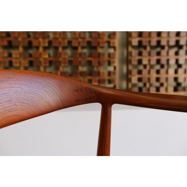 Hans Wegner Mid-Century Modern Johannes Hansen for Hans Wegner Round Teak Side Chair For Sale - Image 4 of 12