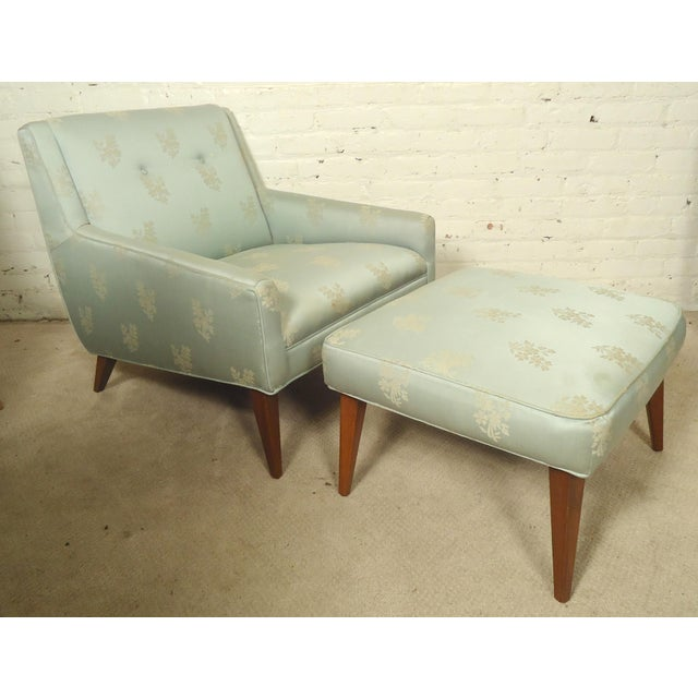 Mid-century Lounge Chair with Matching Ottoman For Sale In New York - Image 6 of 6