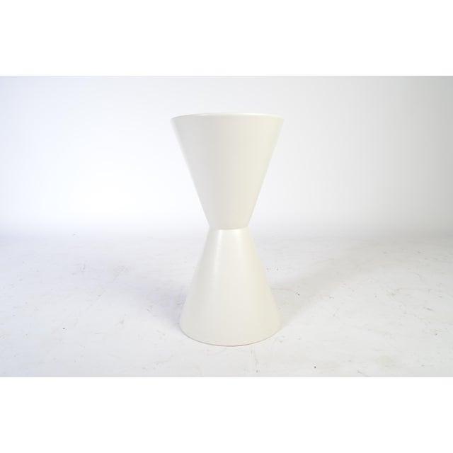 Early Lagardo Tackett for Architectural Pottery double cone pottery planter, circa 1970. Very beautiful, original...