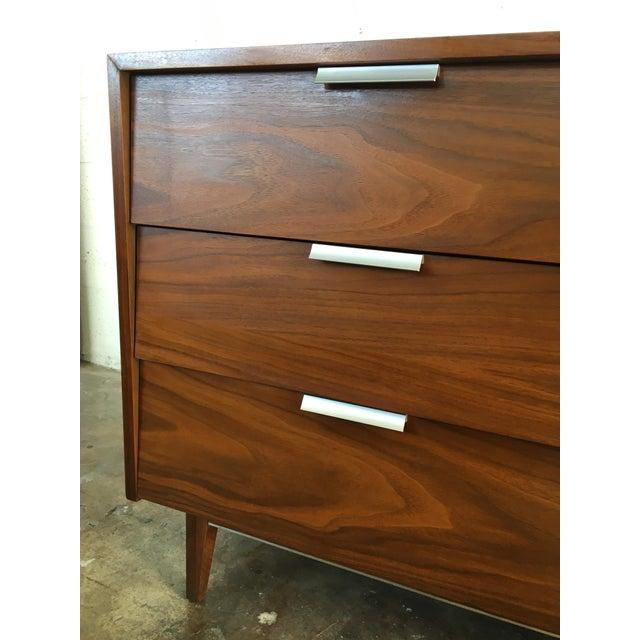 Vintage Mid Century Modern Dresser By Cavalier Furniture