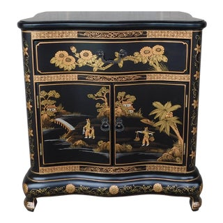 Chinese Chippendale Style Black Lacquer Chinoiserie Decorated Nightstand Chest For Sale