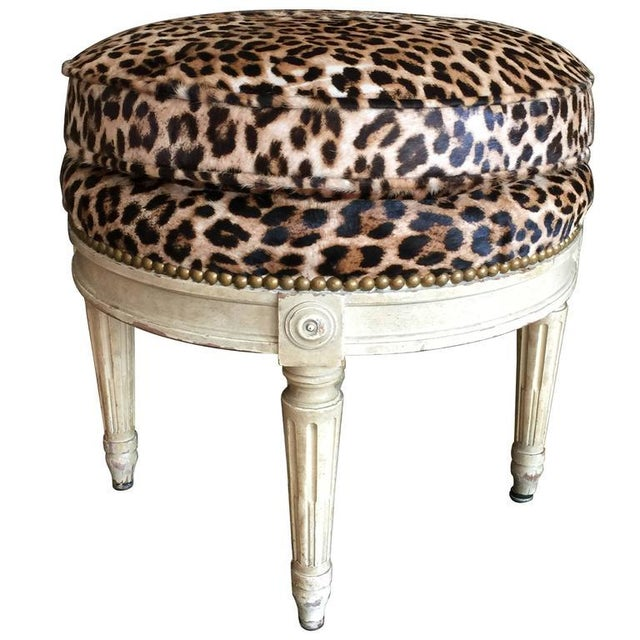 Wood Louis XVI Style Stool in the Manner of Maison Jansen, 20th Century For Sale - Image 7 of 7