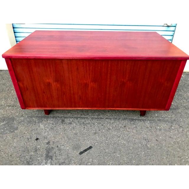 1950s Refinished 'Painted Lady' Pontoon Base Executive Desk For Sale - Image 4 of 13
