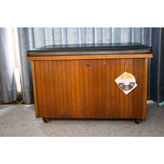 1960s 1960s Mid Century Modern Altavista Lane Record Chest For Sale - Image 5 of 5