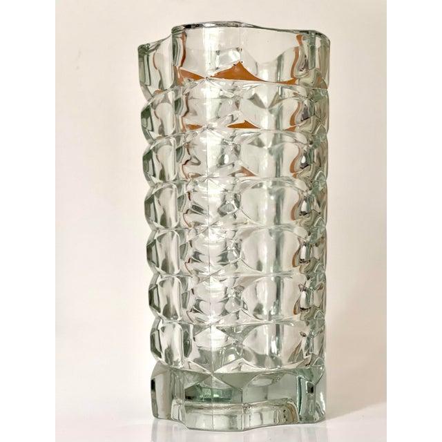 Durand Vintage Art Deco Geometric Pattern Heavy Cut Crystal Luminarc France Art Glass Windsor Vase For Sale - Image 4 of 7