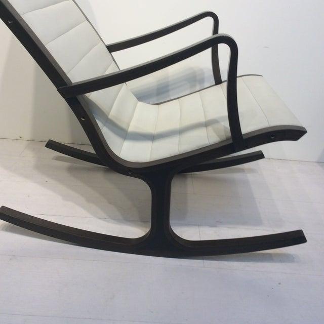 Mitsumasa Sugasawa for Tendo Mokko Mid-Century Modern Heron Rocking Chair For Sale In Los Angeles - Image 6 of 10