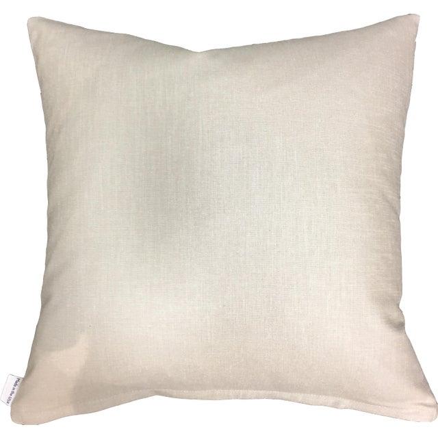 Base fabric: 100% cotton sateen (front) / metallic linen (back) details: zipper closure, 10/90 down/feather insert
