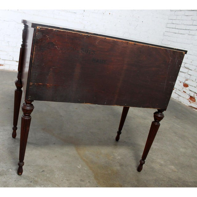Classic Sheraton Federal Style Mahogany Server in the manor of Salem Cabinetmakers For Sale - Image 5 of 11