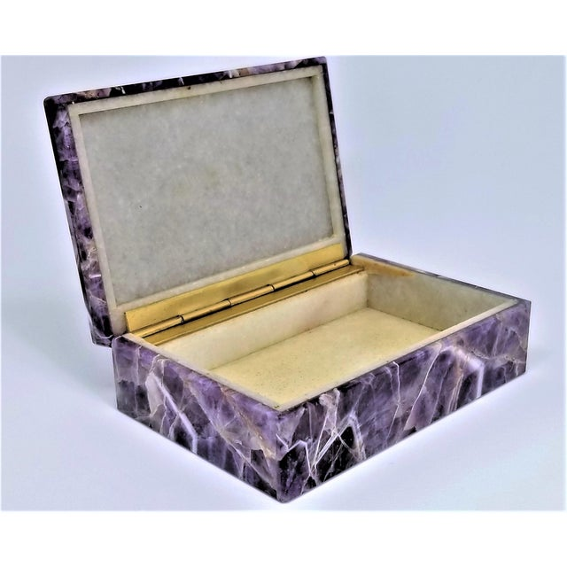 Vintage Amethyst Jewelry Keepsake Box - Magnificent Gemstone Semi-Precious Rock Crystal - Mid Century Modern Palm Beach Chic Alabaster Marble For Sale In Miami - Image 6 of 13