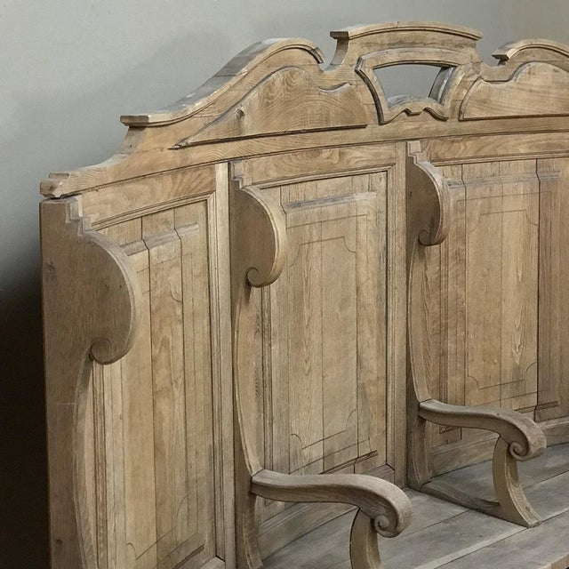 18th Century Rounded Foyer ~ Bay Bench For Sale In Dallas - Image 6 of 10