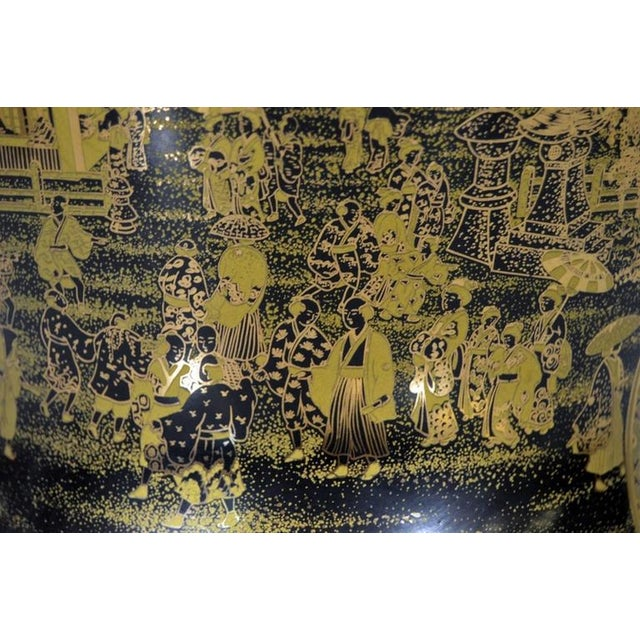 Vintage Black and Golden Hand-Painted Porcelain Vase from China, 20th Century For Sale - Image 10 of 11