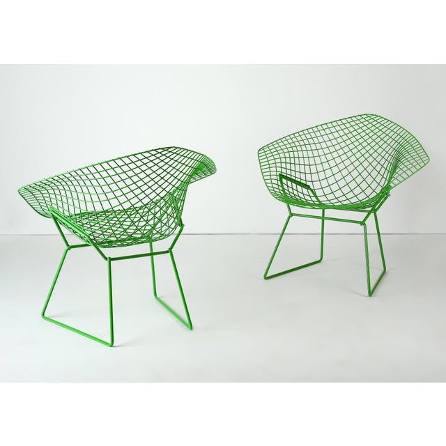 Harry Bertoia Harry Bertoia for Knoll Powder Coated Green Diamond Chairs - a Pair For Sale - Image 4 of 6
