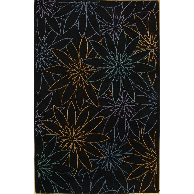 Black Hand-Tufted Modern Rug - 5' X 8' For Sale