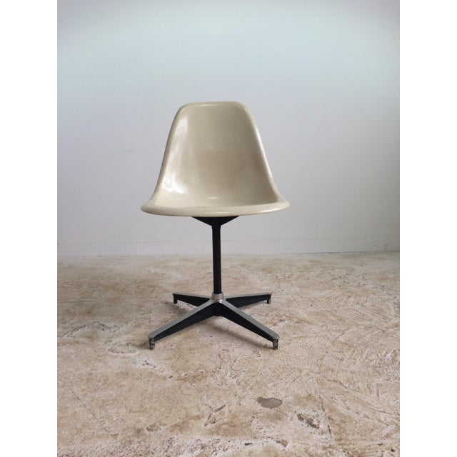 Eames Vintage Plastic Shell Chair - Image 3 of 6