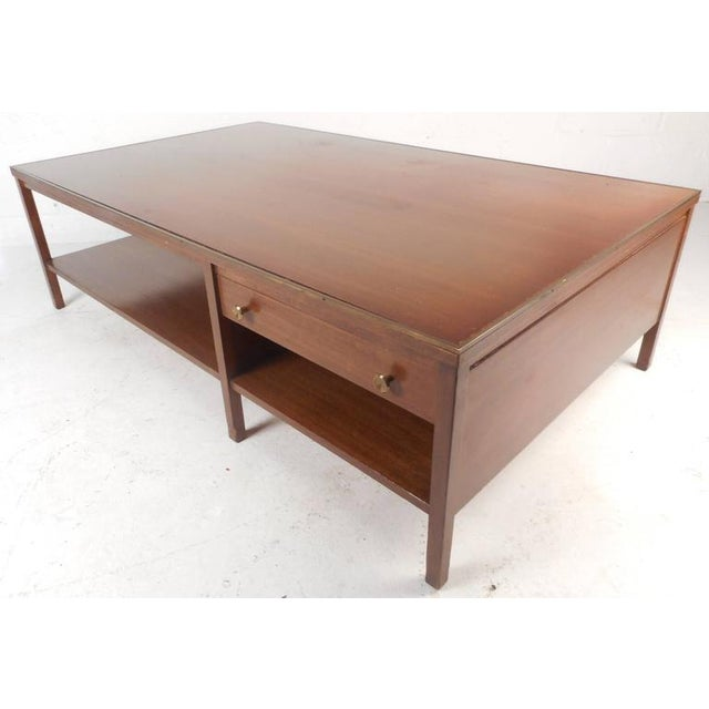Brass Mid-Century Modern Walnut Coffee Table in the Style of Paul McCobb For Sale - Image 7 of 10