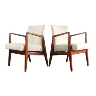 Set of Two (2) Jens Risom Lounge Chairs in Original Chevron Fabric and Solid Walnut For Sale