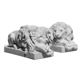 Antique Early 20th Century Canova Marble Lions - a Pair For Sale