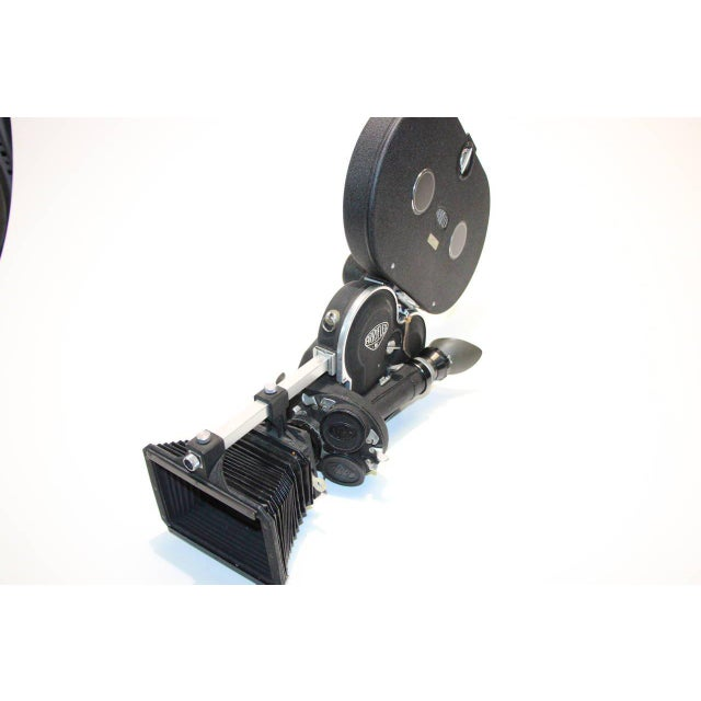 Arriflex Model 16ST Cinema Camera Complete & Working Circa 1950 As Sculpture For Sale - Image 4 of 10