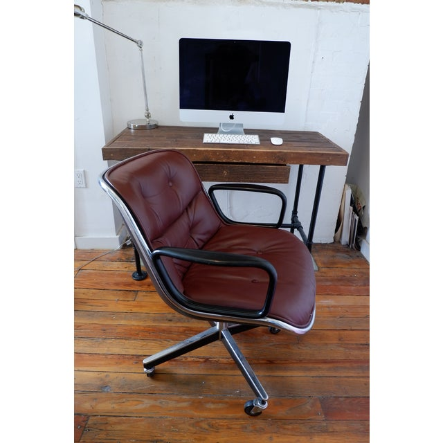 Charles Pollock for Knoll office desk chair featuring leather upholstery. This executive office chair is an icon of Mid-...