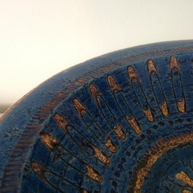 Italian Bitossi Rimini Blue & Gold Safety Pins Footed Bowl For Sale - Image 3 of 4