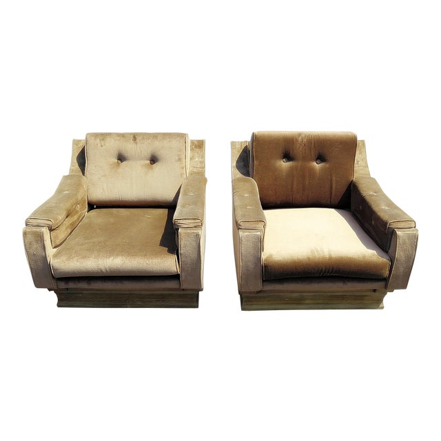 Pair of Mid-Century Modern Oversized Lounge Chairs For Sale