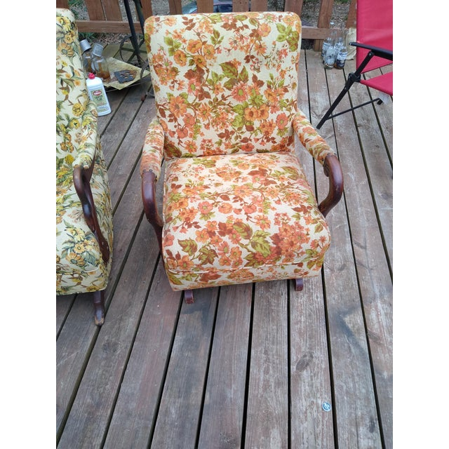This is a vintage 1940's-1950's floral platform rocking chair with, beautiful, all original fabric. This chair has a small...