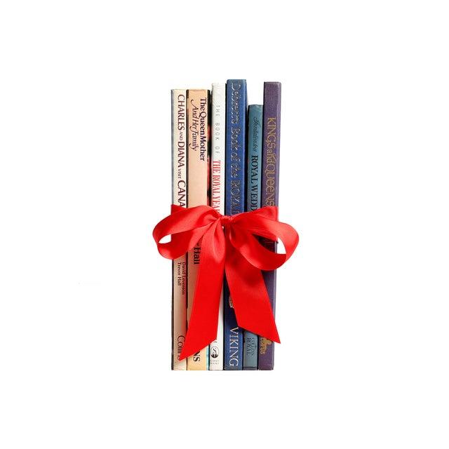 English Royalty Books Gift Set - Image 2 of 2