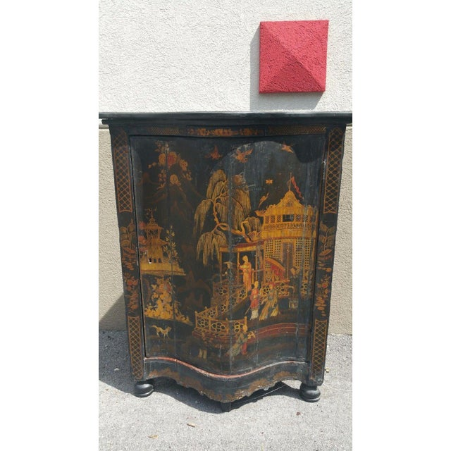 Early 19th C English Chinoiserie Corner Cabinet For Sale In Miami - Image 6 of 8
