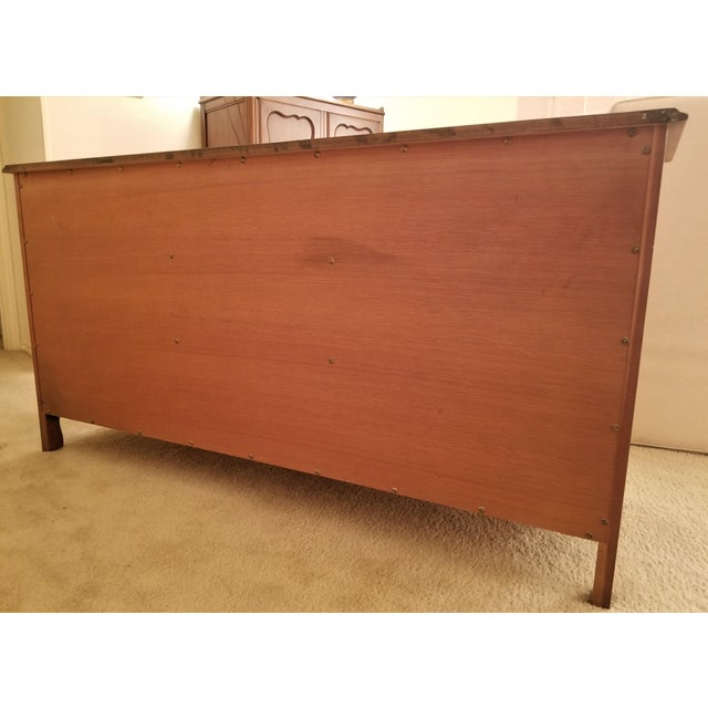 John Widdicomb French Provincial Louis XV Triple Dresser For Sale In Dallas - Image 6 of 11