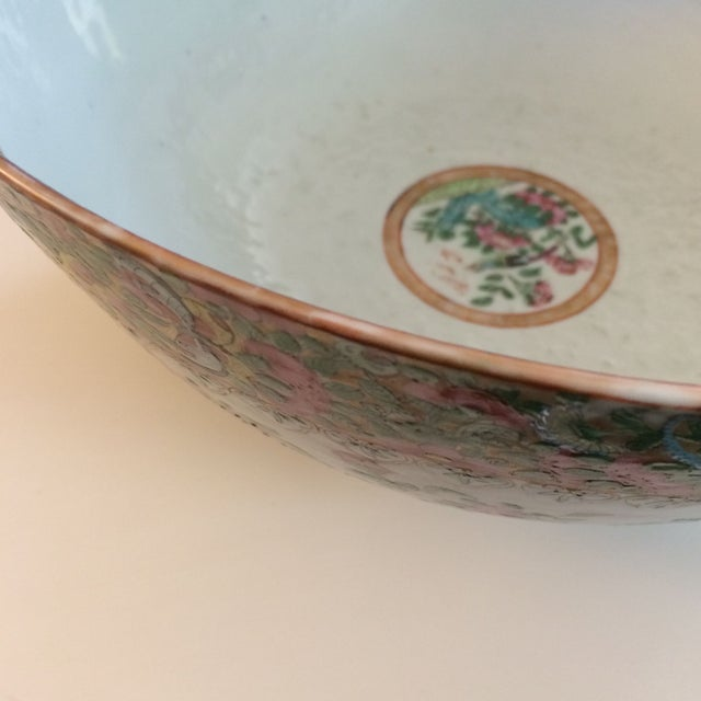 Chinese Export Famille Rose Bowl For Sale - Image 5 of 7