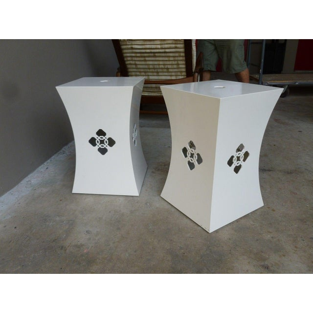 2000 - 2009 Chinoiserie White Lacquer Stands - a Pair For Sale - Image 5 of 9
