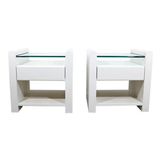 1980s Contemporary Modern White Lacquer & Glass Nightstands End Tables - a Pair For Sale