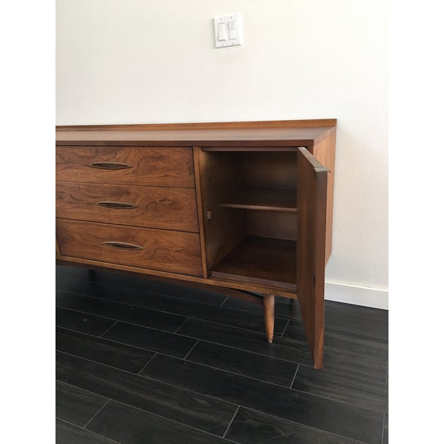 160s Mid Century Modern Broyhill Sculptura Walnut Credenza For Sale - Image 6 of 13