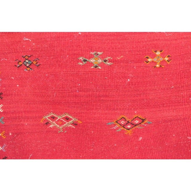 """Type of Rug : Aknif Dimensions : 2'3"""" x 3'3"""" feet / 69 x 107 cm Material : 100% wool Country of Origin : Morocco"""