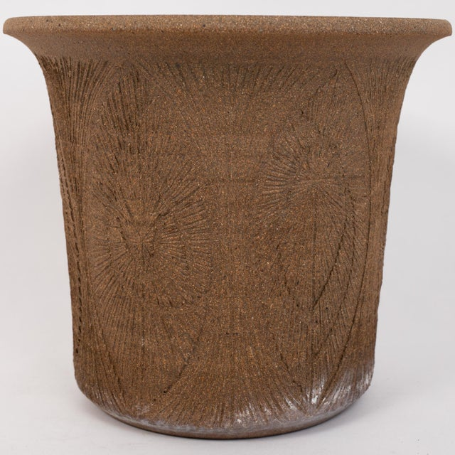 Robert Maxwell Incised Studio Pottery Planter with Flared Lip For Sale In Los Angeles - Image 6 of 12