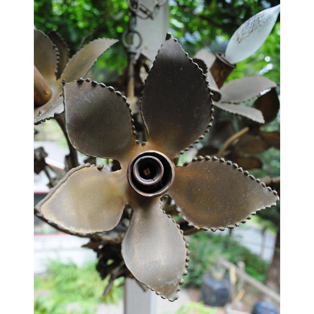1970s Mid-Century Feldman Brutalist Floral Chandelier Attributed to Tom Greene For Sale - Image 5 of 8