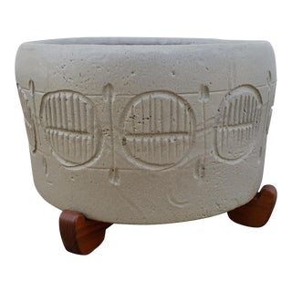 Mid Century Incised Planter and Stand by Jane Gordon Martz For Sale