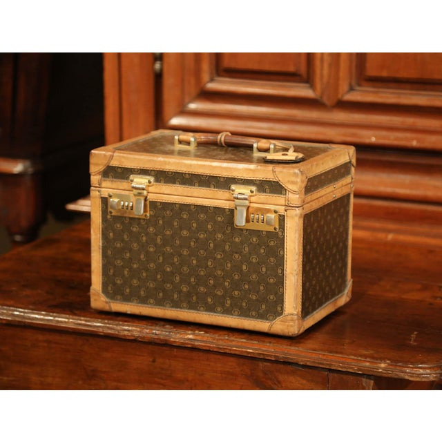 19th Century French Leather Toiletry Box With Decorative Trim and Brass Hardware For Sale In Dallas - Image 6 of 13