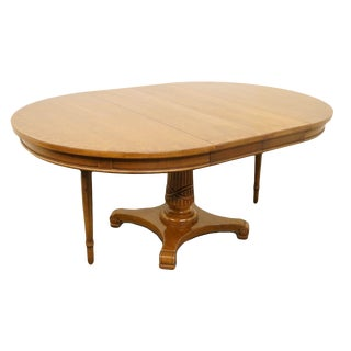 "20th Century French Country Thomasville Furniture 46"" Pedestal Dining Table For Sale"