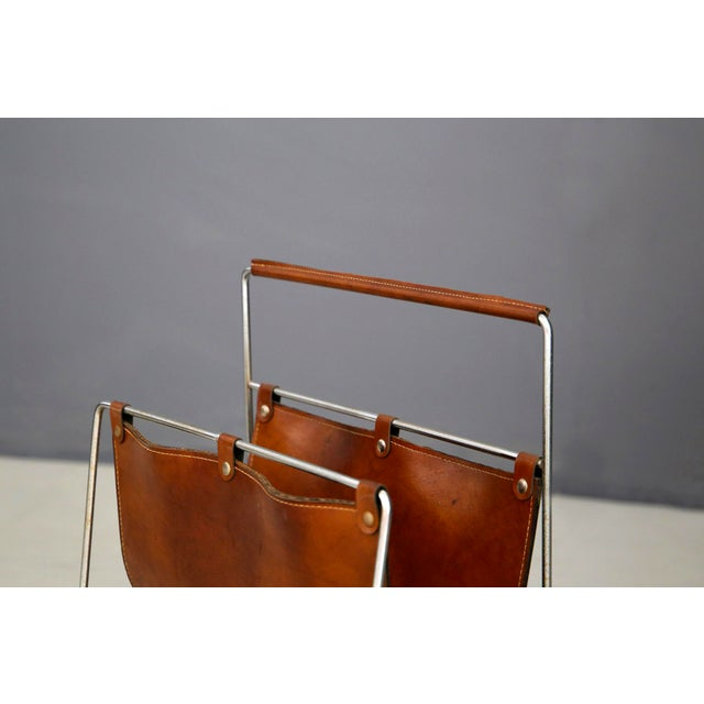 1950s Carl Auböck II MidCentury Magazine Holder in Leather and Steel, 1950's For Sale - Image 5 of 11