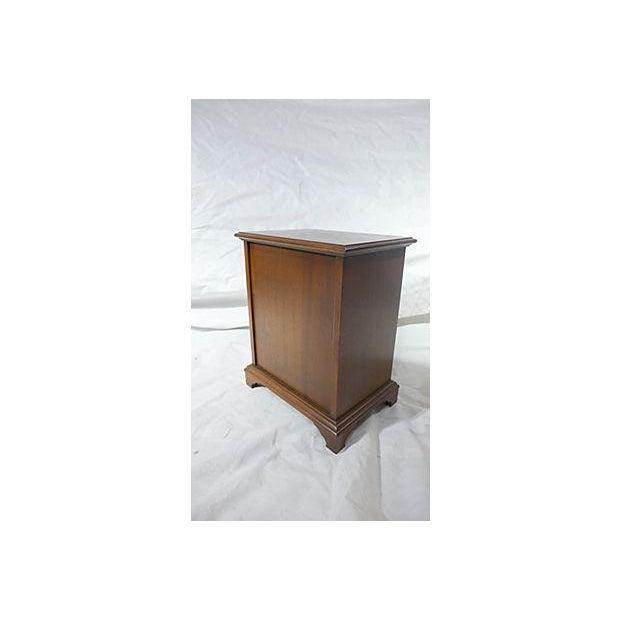 Diminutive Mahogany Dresser Box - Image 7 of 7