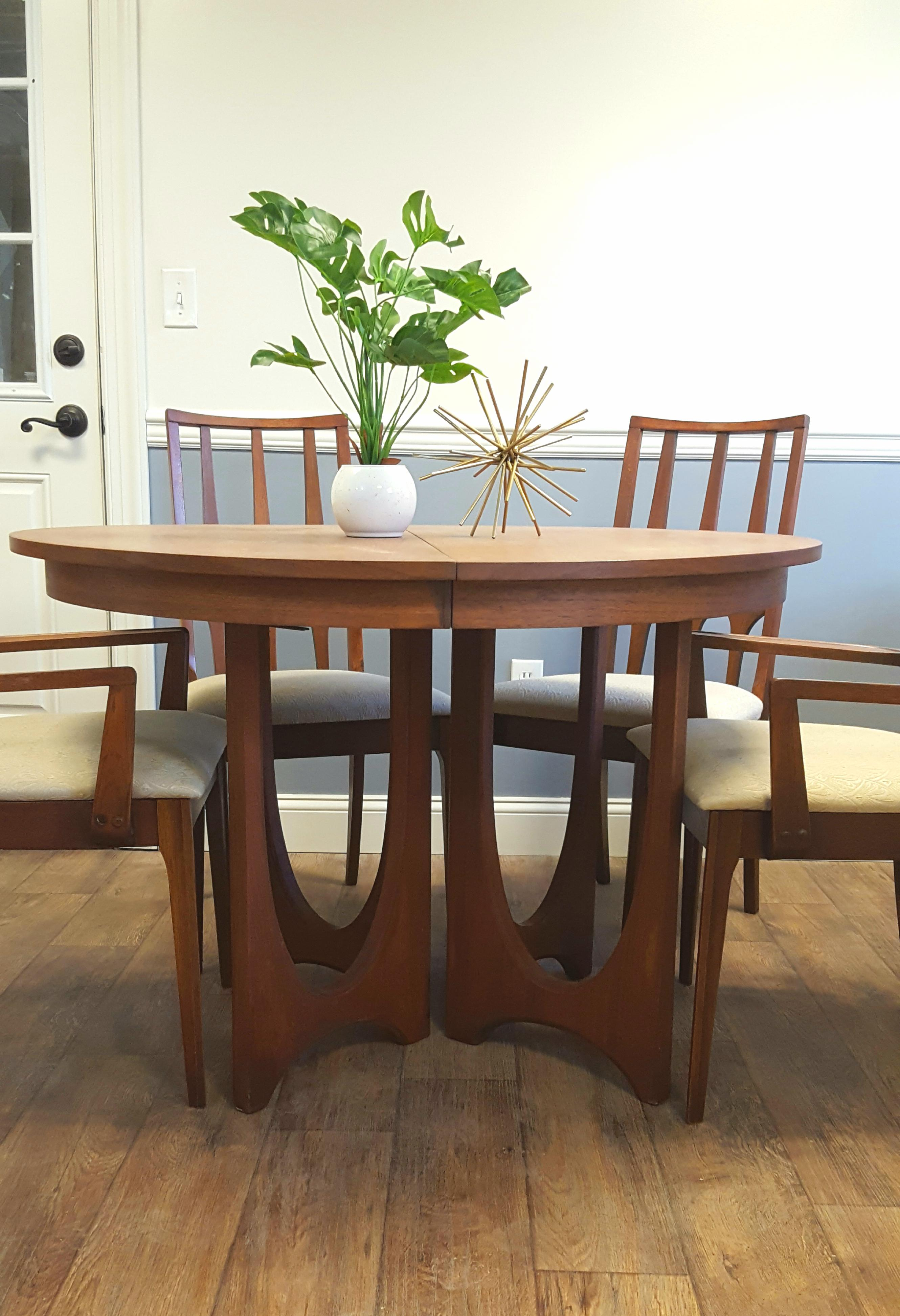 Broyhill Broyhill Brasilia Dining Room Set For Sale   Image 4 Of 9