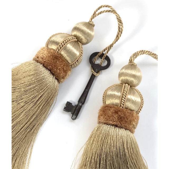Gold Key Tassels With Cut Velvet Ruche- a Pair For Sale In New York - Image 6 of 11