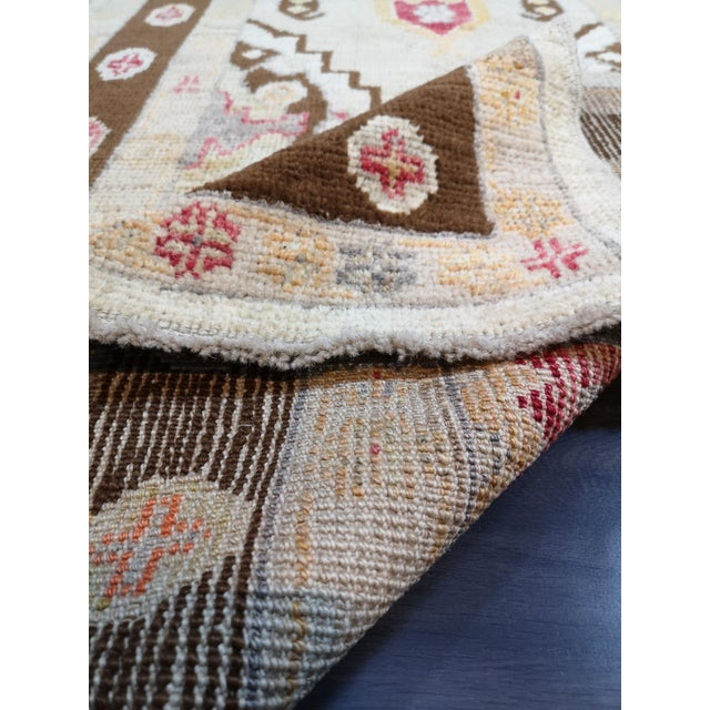 Turkish Contemporary Hand-Knotted Oushak Runner Rug For Sale In Raleigh - Image 6 of 10