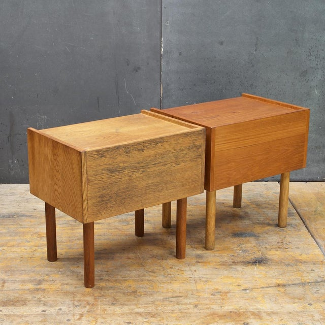 Hans Wegner Bedside Nightstand Pair Vintage Mid Century Modern Ry Mobler Teak Oak For Sale - Image 4 of 10