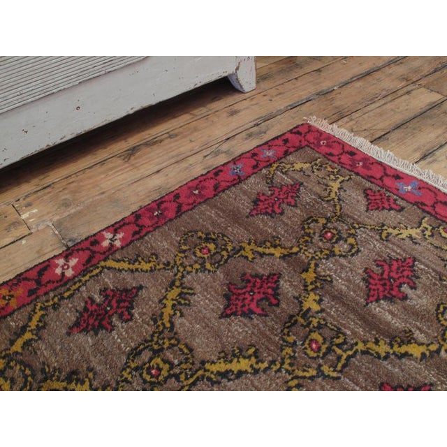 Traditional Karapinar Rug with Lattice Design For Sale - Image 3 of 5