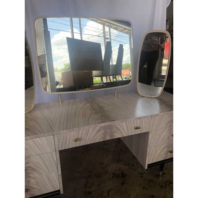 Mid-Century Modern Mid Century Berry Furniture Vanity For Sale - Image 3 of 13