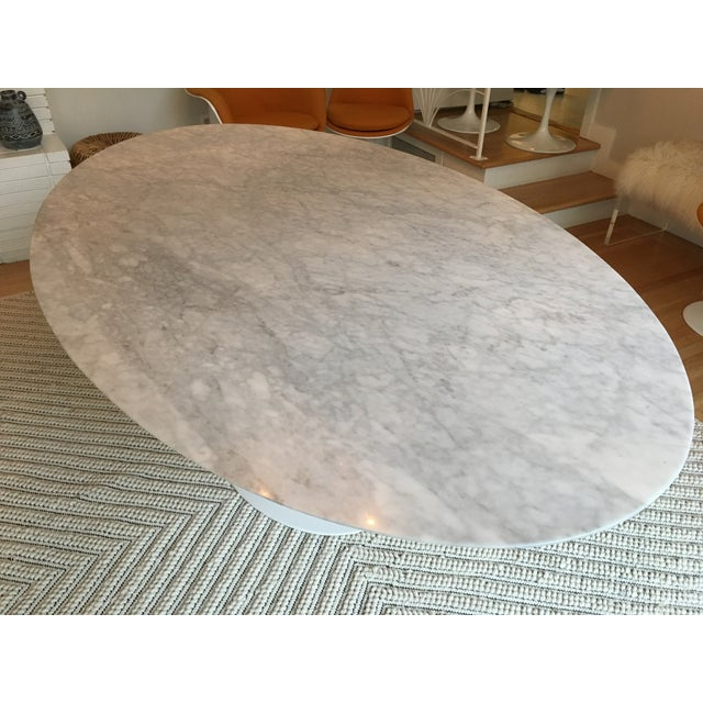 Contemporary Oval-Shaped Tulip Dining Table For Sale - Image 3 of 6
